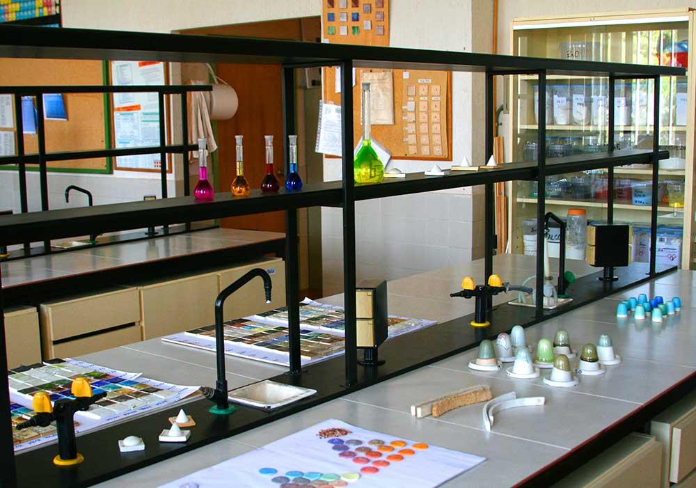 Escola dArt i Superior de Ceràmica » Laboratorios