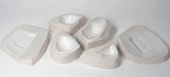 Premio en la Bienal de Cerámica de Manises en la especialidad de Diseño de Producto.
